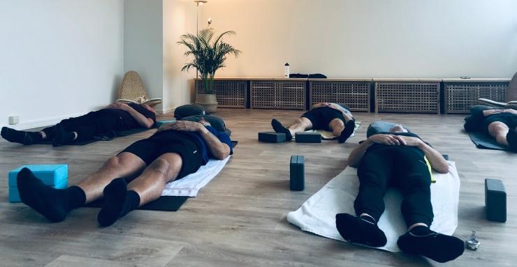 Mannenyoga The Solutions | YogabyCarola